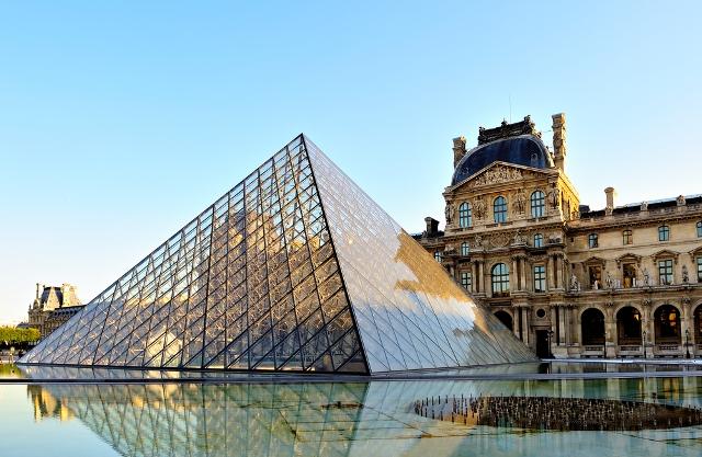 Лувр Франция развлечения и достопримечательности