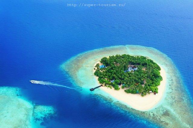 Вид сверху на атолл Мальдивских островов