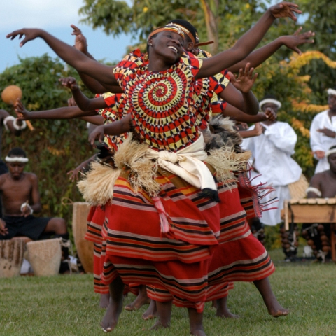 туры в Уганду экзотический танец