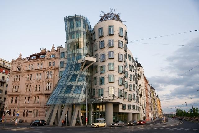 Танцующий дом отдых в Чехии