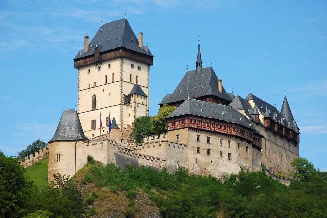 страна Чехия Замок Карштейн