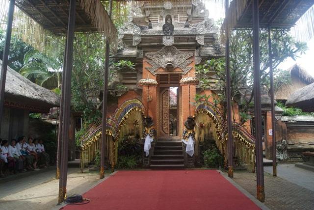 Королевский дворец остров Бали